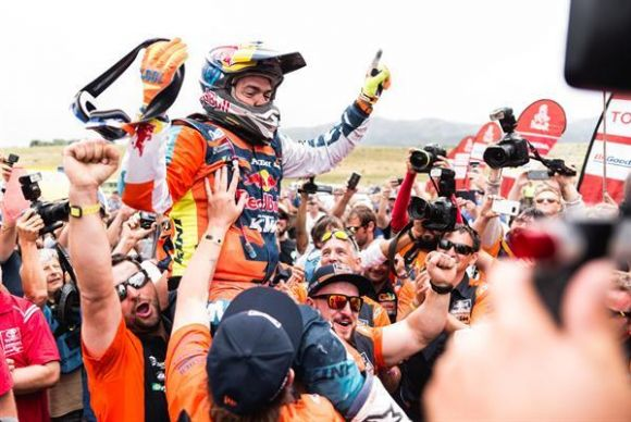 Dakar Rally Finish: As Usual, Human Honors and Metal Carnage