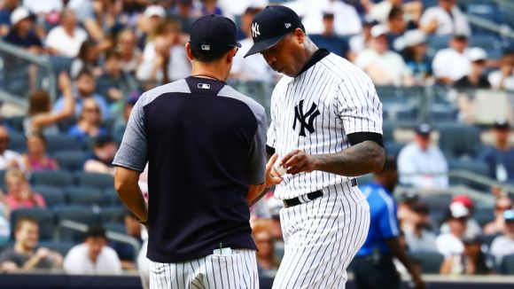 Aroldis Chapman Gets Booed Off Mound after Ugly Ninth Inning