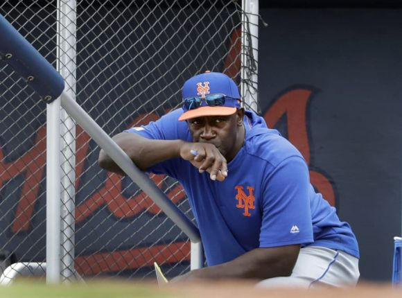 Mets' Hitting Coach Chili Davis Doesn't Seem to Coach Hitting Very Well