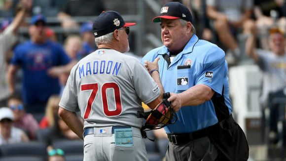 Joe Maddon Fires Up His Cubs with Comically Aggressive Fight Moves