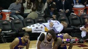 Shorthanded Lakers Beat Cleveland Despite Lonely Bench