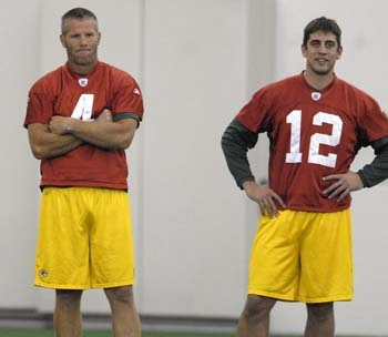 Rodgers to Packers: Time to Retire Brett Favre's Number
