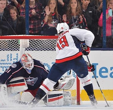Blue Jackets Goalie Does What's Never Been Done