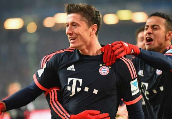 Lewandowski's Double Saves FC Bayern