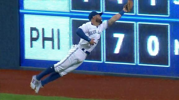 Blue Jays' Pillar Is a One-Man Outfield