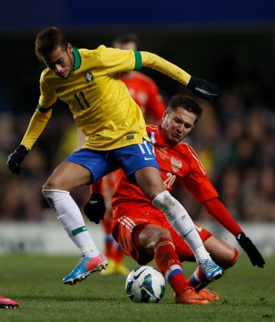 Fred Rescues Brazilians from Friendly Russian Upset