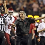 Mike Leach knows to leave the D to the D dudes.