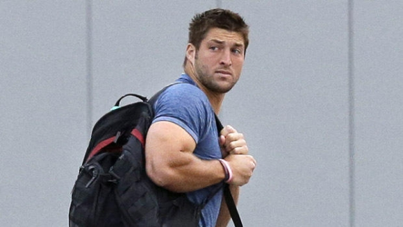 Tebow Mania Heads to New England